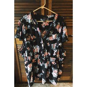 Torrid black flowered blouse size 5XL